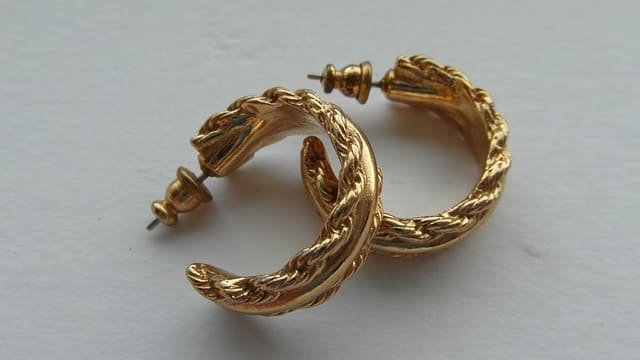 Gold Earring Facts